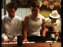 Looseleaf Trio