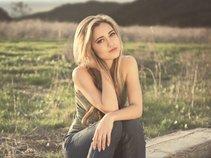 Lea Nicole