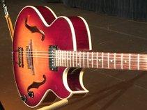 Alan Baldon - Zero-Gravity Guitar Suspension