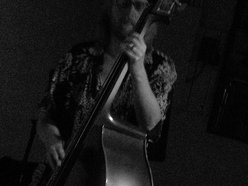 Daniel Seymour-upright and electric bass