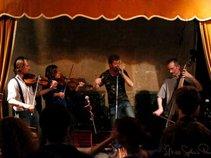 Jez Hellard & The Djukella Orchestra