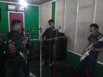 SPHR BAND2