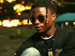 Emzee_MaYoR