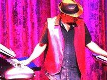 Mauricio - The Keymaster // One-Man-Orchestra