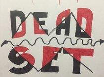 Dead - Set