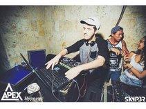 DJ moffa