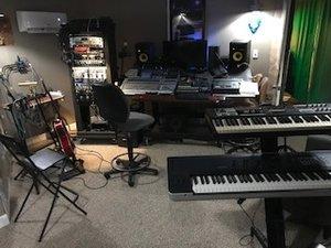Dusty Vinyl Studio