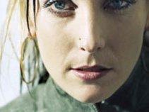 Leanne Paris Music