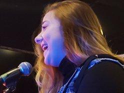 Lauren Ashlaie