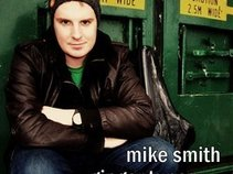 Mike Smith Saxophonist