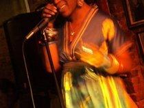Queen Bleu Nile