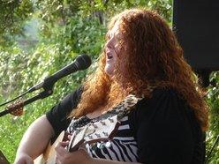 Lorynn The Redhead