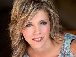 Wendy Crowe