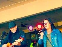Acoustic 2u  / Dale Heywood