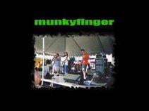 munkyfinger