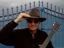 Bob Quinn, Songmaker