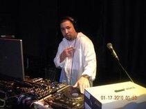 """DJ Harry """"Hotmixn"""" Hernandez"""