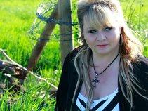 Shawna Lynne