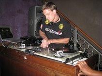 DJ M16
