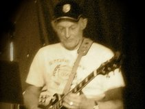 Paul Cottenham AKA RUFCUTBAND ./Singer/SongWriter