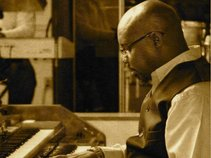 Elder Shaun Williams & Joyful Noise
