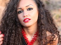 Jasmine Rhey