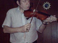 Ajar String
