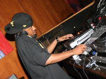 DJ AVI-X