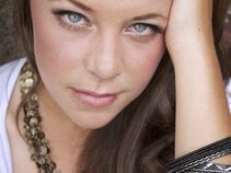 Nicole Jax