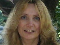 Lisa Stockdale