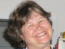 Lynn Suzanne James