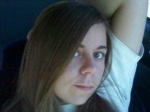Alicia Devine