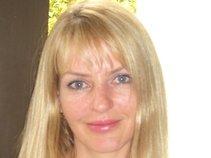 Debbie Bouwer