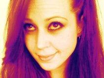 Leesha Lovely
