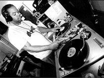 DJ.CHUCKS