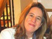 Andrea M Davis