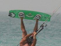 Sam X - Kitesurfer