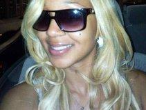 BlondyGotBands2
