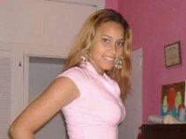Nenee Love