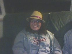 joannap_158@hotmail.com or anna