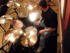Drummiester/ Larry
