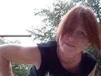 Linda Dundunitsgirl Glass