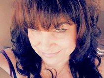 Karen Suzanne