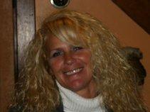Tammy Perry Leveline