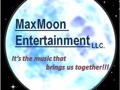 MaxMoon Entertainment