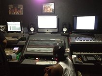 ConnieboyProductions (Da Booth studios)