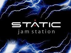 Static Jam Station