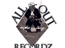 ALL OUT RECORDZ