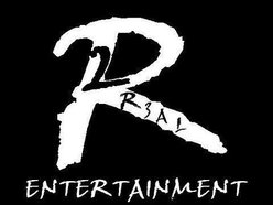 2 R3AL ENTERTAINMENT