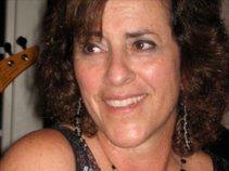 Lori Zuroff